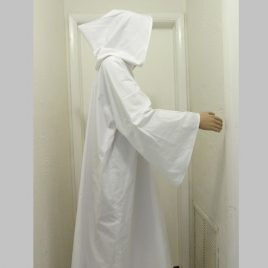 Tau Robe – with hood – white