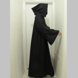 Tau Robe – with hood – black